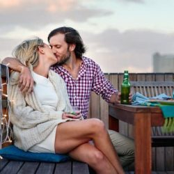 Kiss on First Date: Yay or Nay?